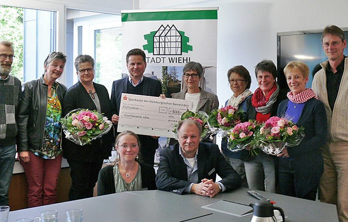 1.000 Euro für die Arbeit der Flüchtlingshilfe und Einblicke in die Arbeit vor Ort