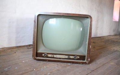 Wer hat einen gebrauchten Fernseher abzugeben?